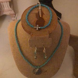 Jewelry - Set of three
